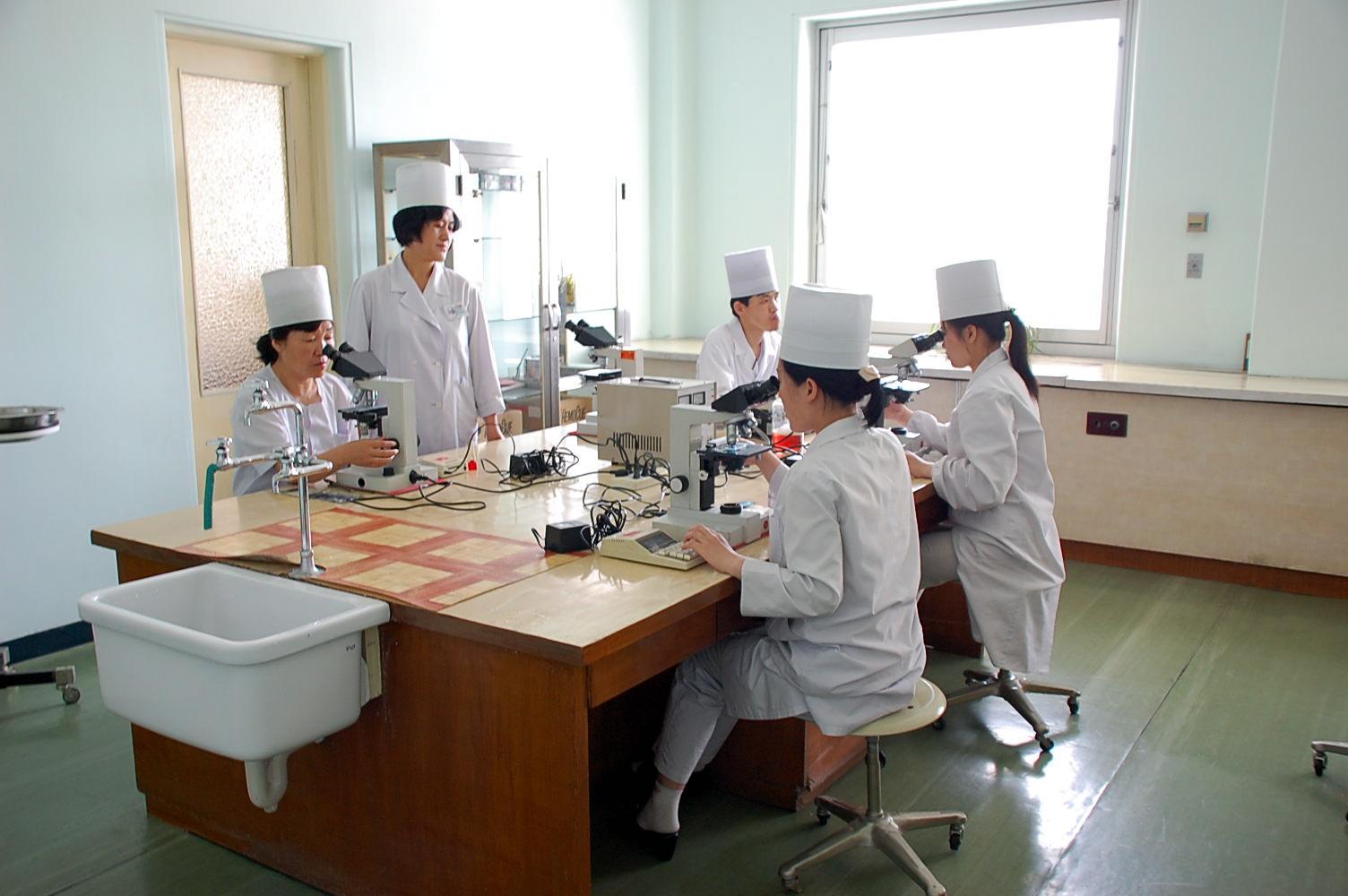 North_Korea-Pyongyang_Maternity_Hospital-02
